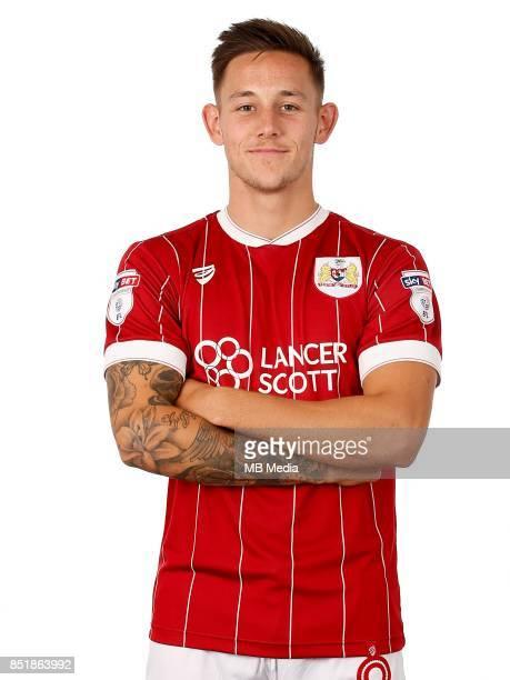 Josh Brownhill of Bristol City Mandatory byline Robbie Stephenson/JMP FOOTBALL Ashton Gate Bristol England Bristol City Headshots