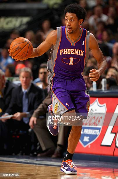 Josh Childress of the Phoenix Suns dribbles the ball against the Denver Nuggets at the Pepsi Center on February 14 2012 in Denver Colorado The...