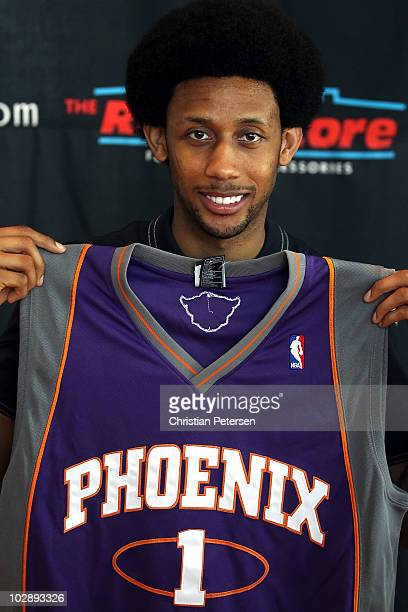 Josh Childress of the Phoenix Suns speaks during a press conference at US Airways Center on July 14 2010 in Phoenix Arizona NOTE TO USER User...
