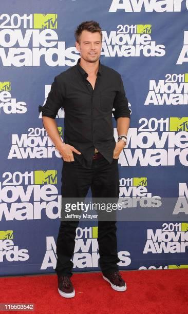 Josh Duhamel arrives at the 2011 MTV Movie Awards at Universal Studios' Gibson Amphitheatre on June 5 2011 in Universal City California