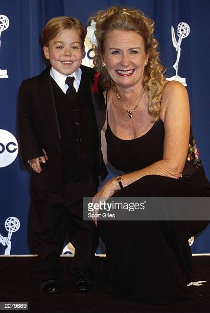 Josh Evans and Juliet Mills of 'Passions' at 27th Daytime Emmys held at Radio City Music Hall New York City on May 19 2000 Photo by Scott...