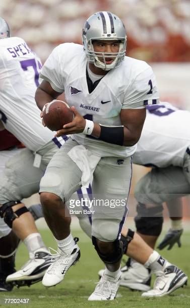 Josh Freeman of the Kansas State Wildcats drops back with the ball during the game against the Texas Longhorns on September 29, 2007 at Darrell K...