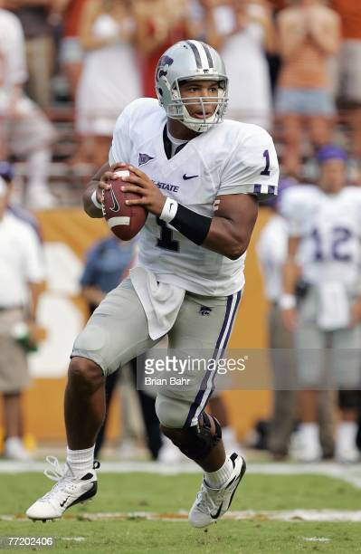 Josh Freeman of the Kansas State Wildcats looks to pass the ball during the game against the Texas Longhorns on September 29 2007 at Darrell K...