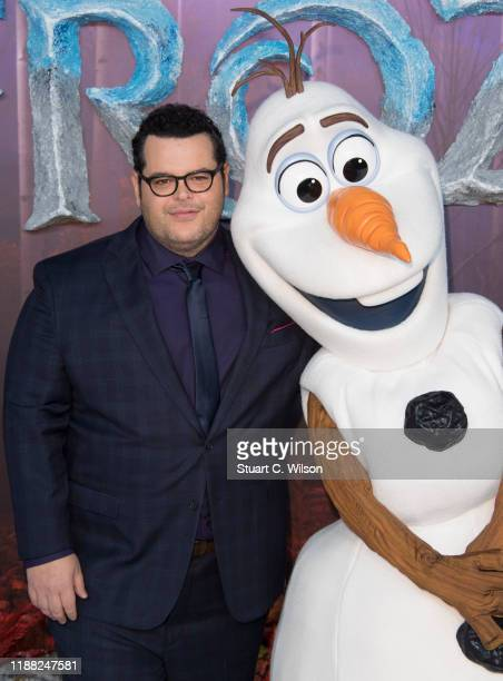 """Josh Gad attends the """"Frozen 2"""" European premiere at BFI Southbank on November 17, 2019 in London, England."""
