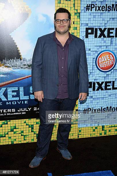 Josh Gad attends the 'Pixels' New York Premiere at Regal EWalk on July 18 2015 in New York City