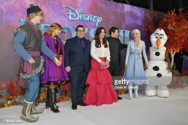 Josh Gad Idina Menzel and Jonathan Groff poses with characters at the European Premiere of Frozen 2 at the BFI Southbank on November 17 2019 in...