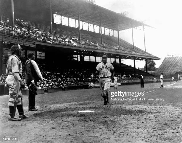 Josh Gibson jogs to home base during a season game Josh Gibson played for the Homestead Grays of the Negro Natonal League from 19291931 then 19371946