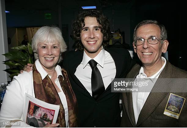 Josh Groban with his parents **exclusive**
