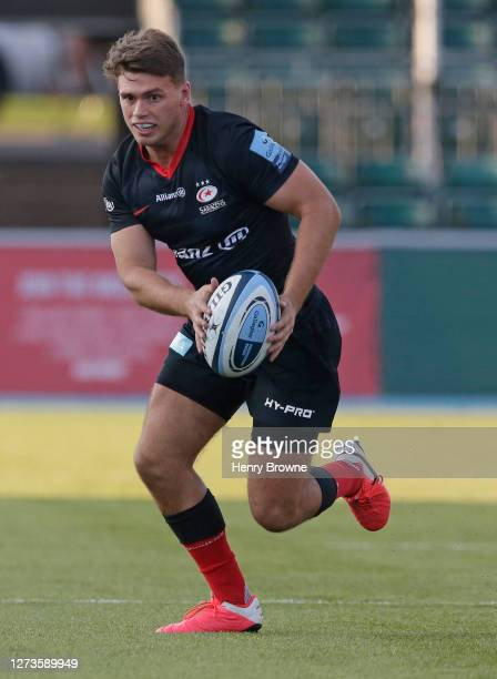 Josh Hallett of Saracens makes a run during the Gallagher Premiership Rugby match between Saracens and Exeter Chiefs at Allianz Park on September 13...