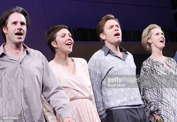 Josh Hamilton Maggie Gyllenhaal Ewan McGregor and Cynthia Nixon take their The Opening Night Curtain Call of The Real Thing on Broadway at American...