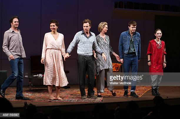 Josh Hamilton Maggie Gyllenhaal Ewan McGregor Cynthia Nixon Ronan Raftery and Madeline Weinstein during the Roundabout Theatre Company's Broadway...