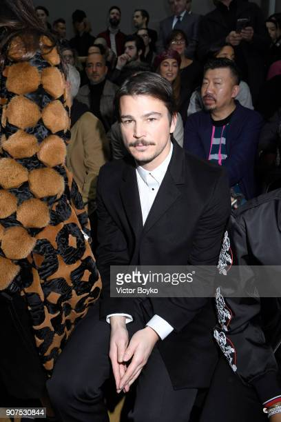 Josh Harnett attends the Dior Homme Menswear Fall/Winter 20182019 show as part of Paris Fashion Week on January 20 2018 in Paris France