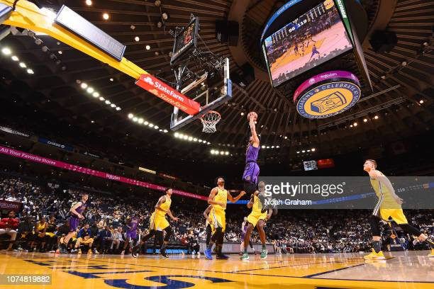 Josh Hart of the Los Angeles Lakers dunks the ball against the Golden State Warriors on December 25 2018 at ORACLE Arena in Oakland California NOTE...