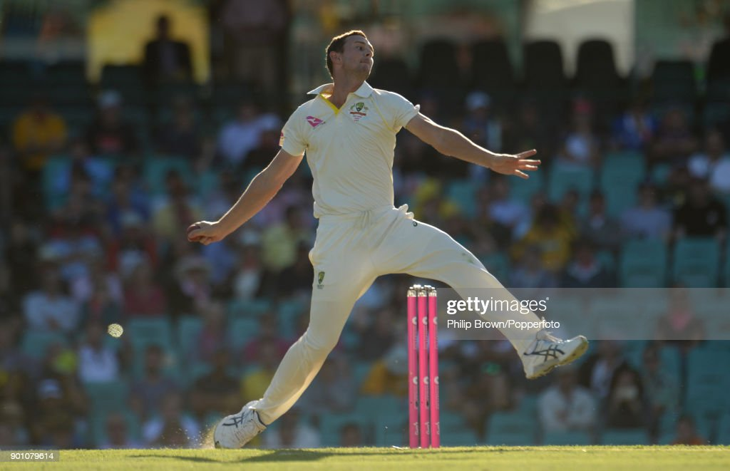 Josh Hazlewood of Australia bowls during day one of the Fifth Test match in the 2017/18 Ashes Series between Australia and England at the Sydney Cricket Ground on January 4, 2018 in Sydney, Australia.