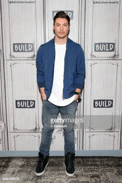 Josh Henderson attends the Build Series to discuss 'The Arrangement' at Build Studio on February 28 2017 in New York City