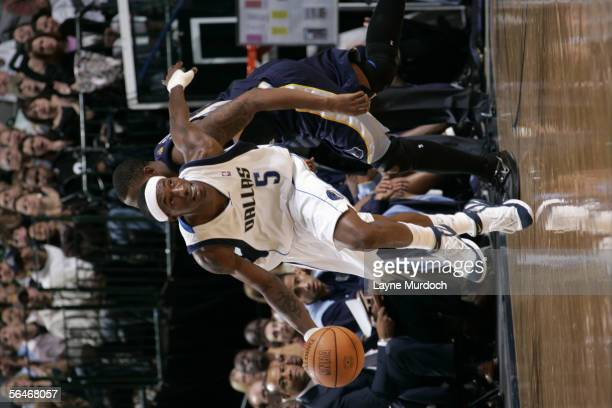 Josh Howard of the Dallas Mavericks brings the ball up court against the Memphis Grizzlies November 26 2005 at the American Airlines Center in Dallas...