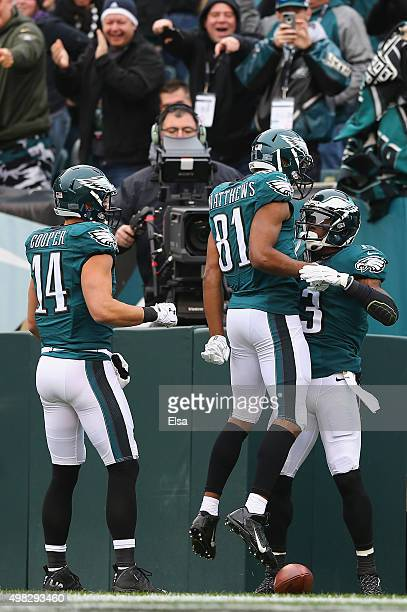 Josh Huff of the Philadelphia Eagles celebrates his touchdown against the Tampa Bay Buccaneers with teammates Jordan Matthews and Riley Cooper in the...