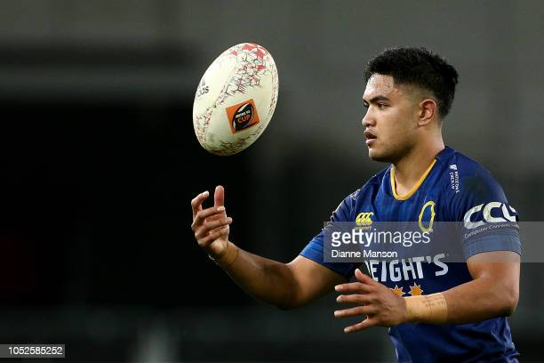 Josh Ioane of Otago prior to kicking the penalty to win the game during the Mitre 10 Cup Championship Semi Final match between Otago and Hawke's Bay...