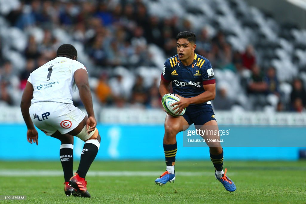 Super Rugby Rd 2 - Highlanders v Sharks : News Photo
