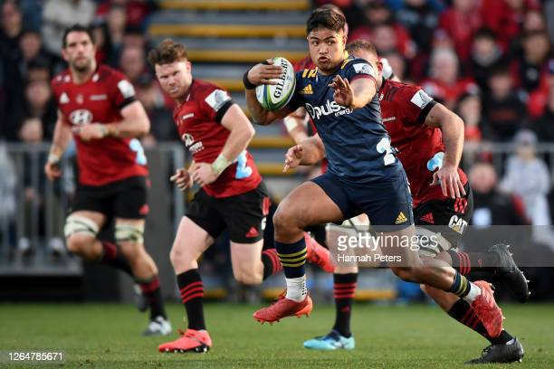 Josh Ioane of the Highlanders makes a break during the round 9 Super Rugby Aotearoa match between the Crusaders and the Highlanders at Orangetheory...