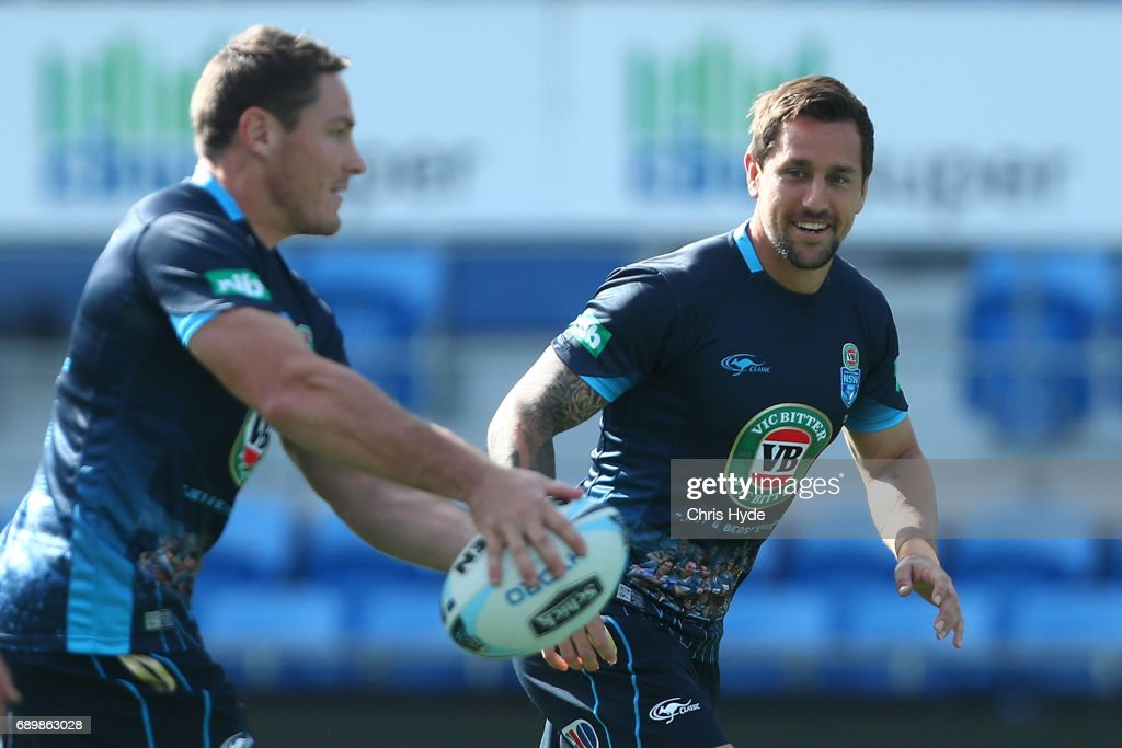 Josh Jackson passes to Mitchell Pearce during the New South Wales Blues State of Origin captain's run at Cbus Super Stadium on May 30, 2017 in Gold Coast, Australia.