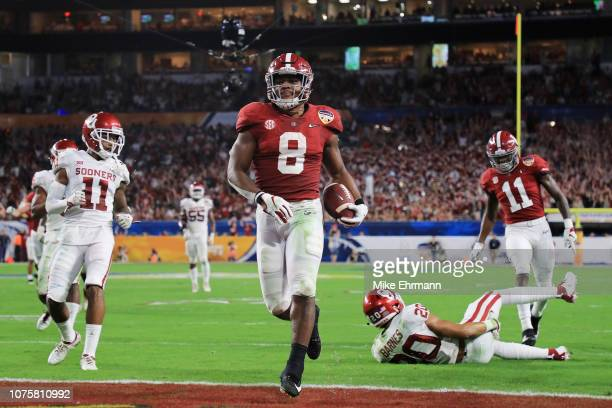 Josh Jacobs of the Alabama Crimson Tide scores a touchdown in the second quarter during the College Football Playoff Semifinal against the Oklahoma...