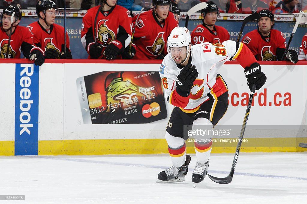 Calgary Flames v Ottawa Senators : News Photo