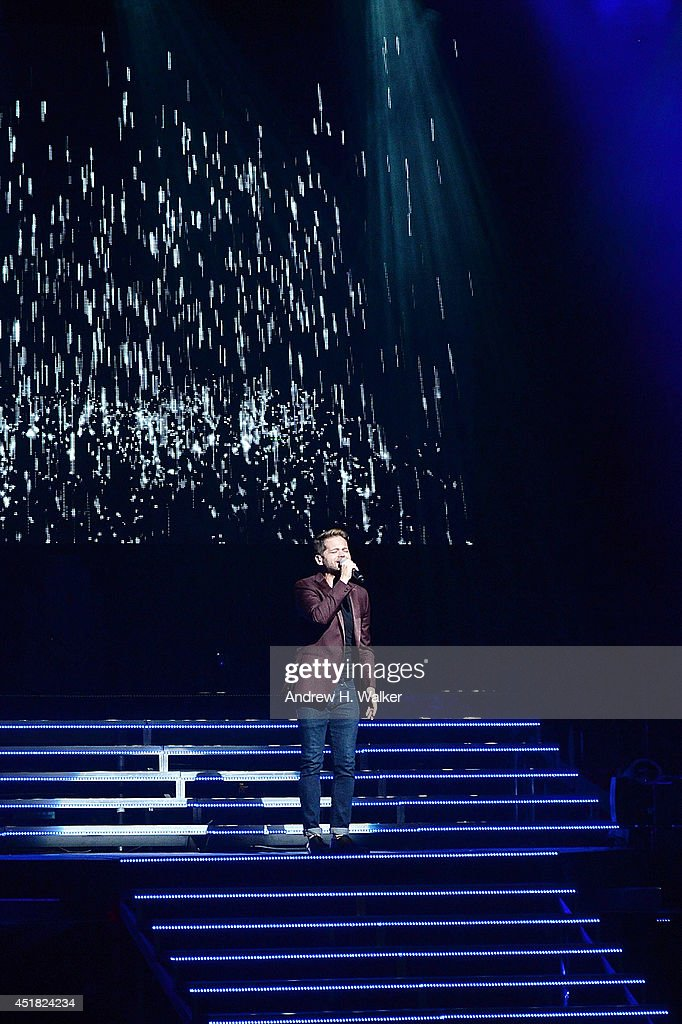 Josh Kaufman performs during The Voice 2014 Tour at The Beacon Theatre on July 7, 2014 in New York City.