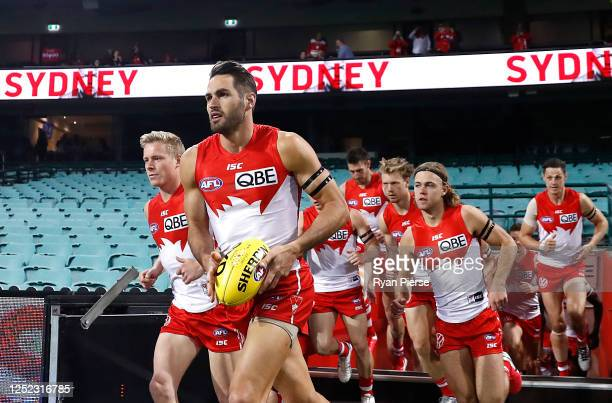Josh Kennedy of the Swans runs out onto the field during the round 4 AFL match between the Sydney Swans and the Western Bulldogs at Sydney Cricket...