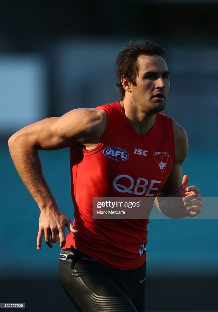 Josh Kennedy runs during a Sydney Swans AFL training session at Sydney Cricket Ground on July 26, 2017 in Sydney, Australia.