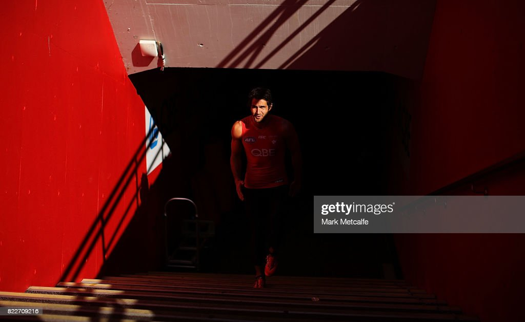 Josh Kennedy walks up the race during a Sydney Swans AFL training session at Sydney Cricket Ground on July 26, 2017 in Sydney, Australia.
