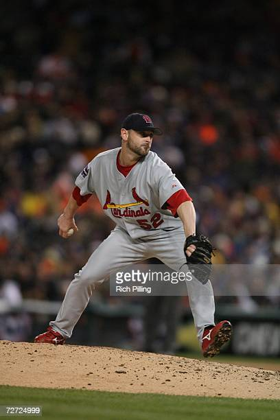 Josh Kinney of the St. Louis Cardinals pitches during Game Two of the 2006 World Series on October 22, 2006 at Comerica Park in Detroit, Michigan....
