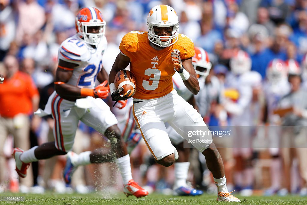 Josh Malone #3 of the Tennessee Volunteers runs downfield after a reception during the first half of the game against the Florida Gators at Neyland Stadium on October 4, 2014 in Knoxville, Tennessee.