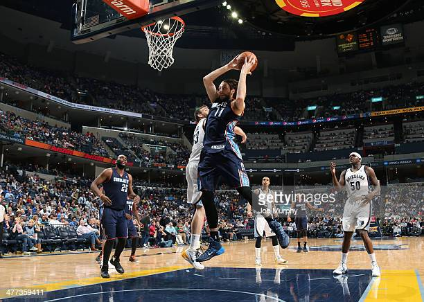 Josh McRoberts of the Charlotte Bobcats shoots against the Memphis Grizzlies on March 8 2014 at FedExForum in Memphis Tennessee NOTE TO USER User...