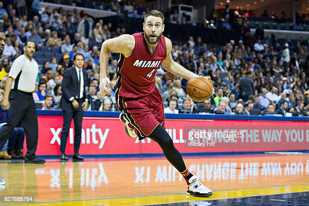 Josh McRoberts of the Miami Heat drives to the basket during a game against the Memphis Grizzlies at the FedExForum on November 25 2016 in Memphis...