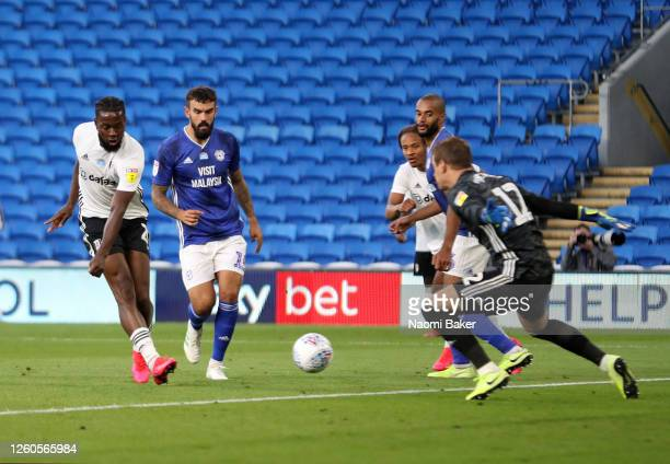 Josh Onomah of Fulham scores his sides first goal during the Sky Bet Championship Play Off Semi-final 1st Leg match between Cardiff City and Fulham...