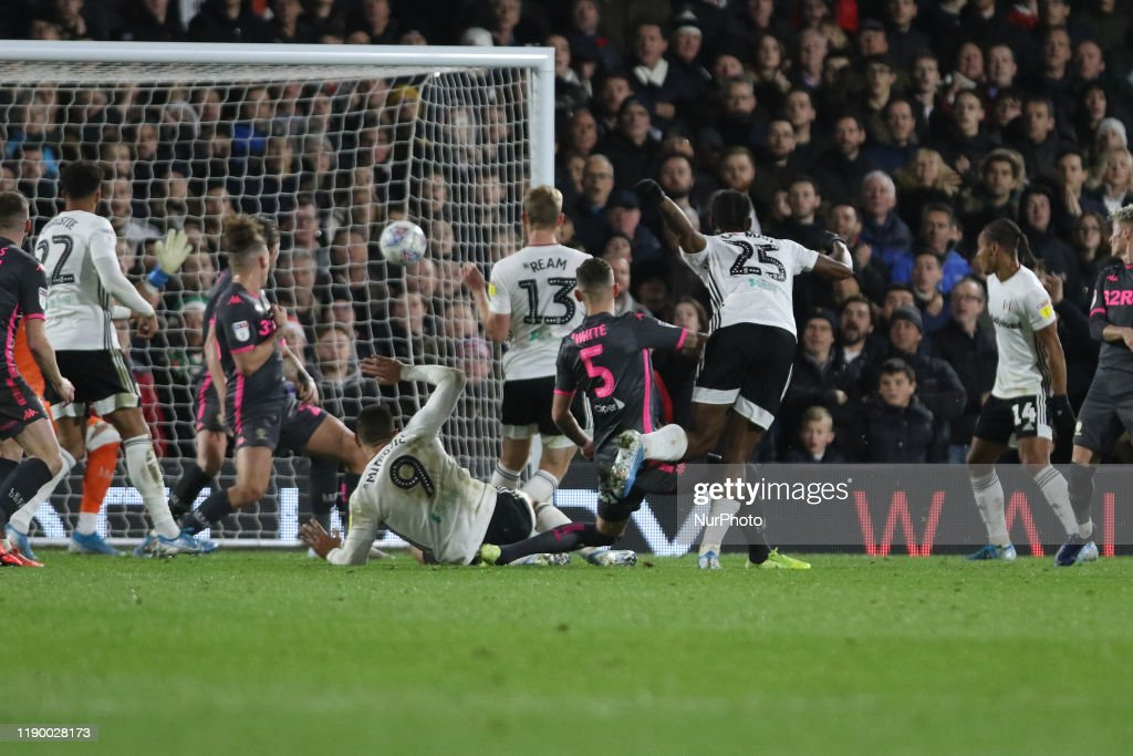 Fulham v Leeds United - Sky Bet Championship : News Photo