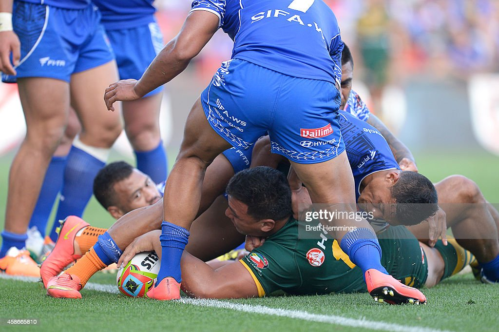 Josh Papalii of Australia scores a try during the Four Nations match between the Australian Kangaroos and Samoa at WIN Stadium on November 9, 2014 in Wollongong, Australia.