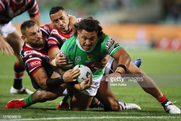 Josh Papalii of the Raiders scores a try during the NRL Semi Final match between the Sydney Roosters and the Canberra Raiders at the Sydney Cricket...