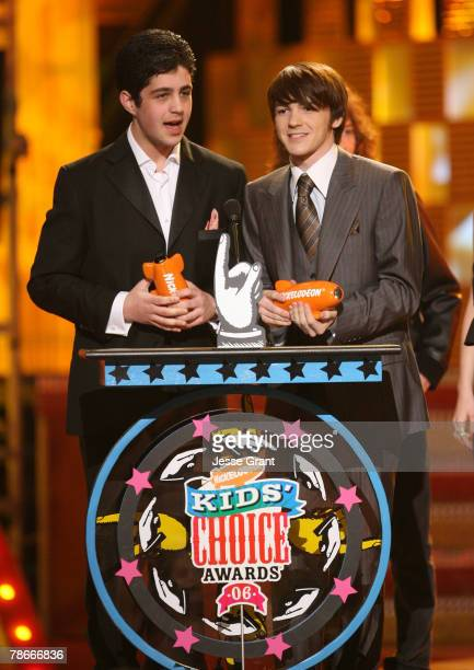 Josh Peck and Drake Bell winners Favorite Television Show for Drake and Josh