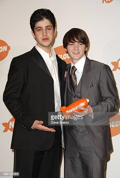 Josh Peck and Drake Bell winners of Favorite Television Show for Drake Josh