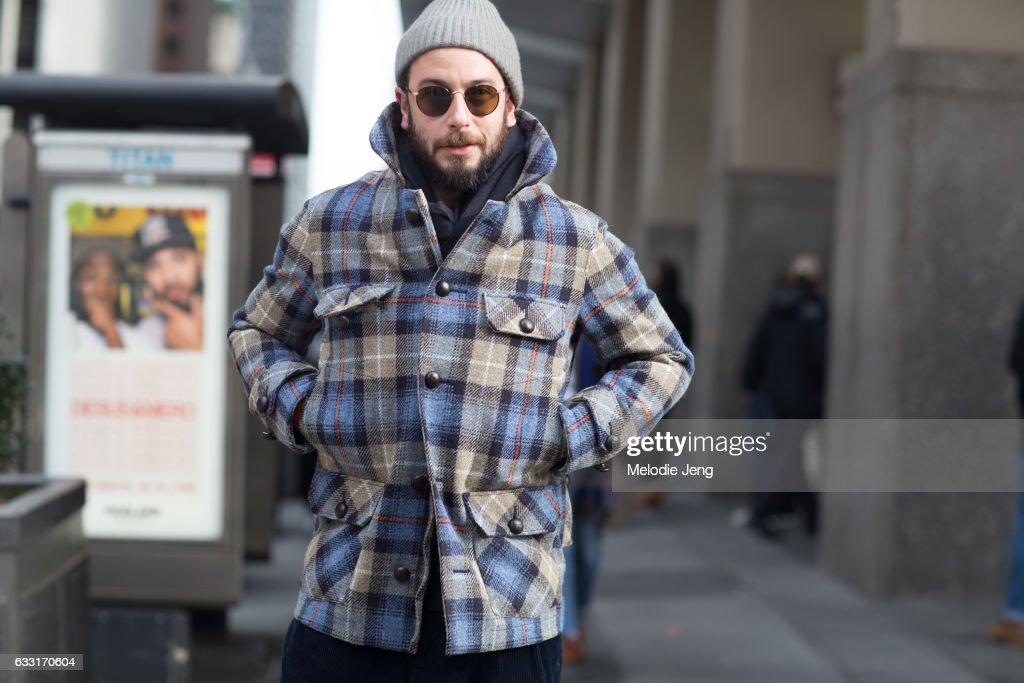 Street Style - NYFW: Men's - Day 1 : News Photo