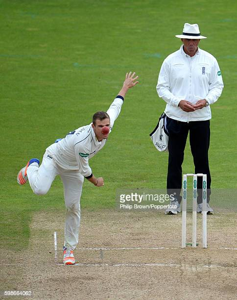 Josh Poysden of Warwickshire bowls during day three of the Specsavers County Championship Division One match between Warwickshire v Middlesex at...