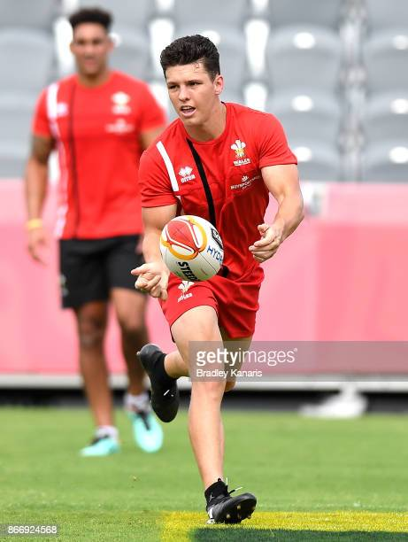 Josh Ralph passes the ball during a Wales Rugby League World Cup captain's run at the Oil Search National Football Stadium on October 27 2017 in Port...