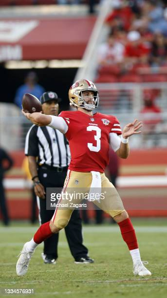 Josh Rosen of the San Francisco 49ers passes during the preseason game against the Kansas City Chiefs at Levi's Stadium on August 14, 2021 in Santa...