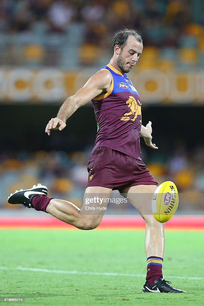 AFL Rd 2 - Brisbane v North Melbourne : News Photo