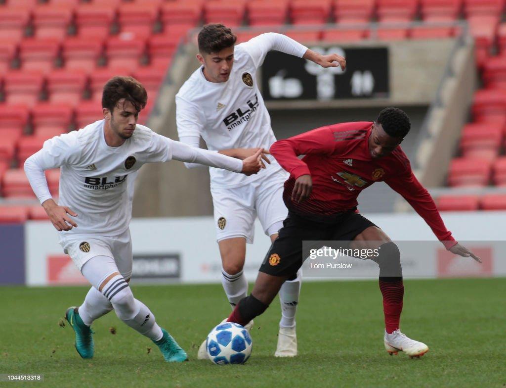 Manchester United v Valencia - UEFA Youth League Group H : News Photo