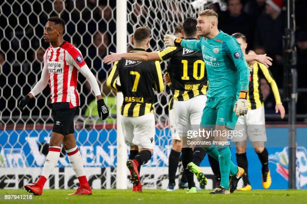 Joshua Brenet of PSV Jeroen Zoet of PSV Disappointed during the Dutch Eredivisie match between PSV v Vitesse at the Philips Stadium on December 23...