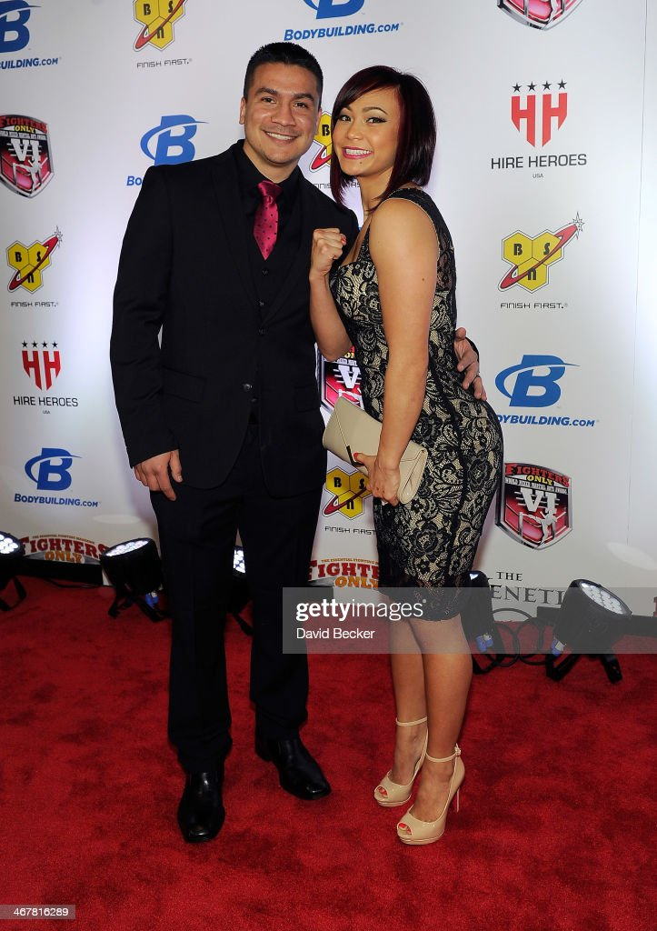 Joshua Gomez And His Wife Mixed Martial Artist Michelle Waterson News Photo Getty Images Season 5a cast (breaking bad). https www gettyimages ca detail news photo joshua gomez and his wife mixed martial artist michelle news photo 467816289