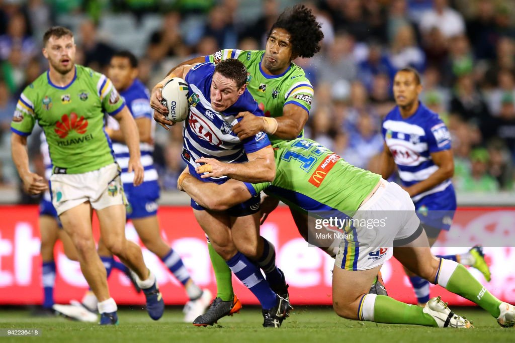 NRL Rd 5 - Raiders v Bulldogs : News Photo